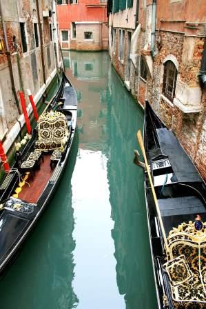 Recession over coronavirus may not be bad for Venetian canals.